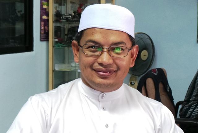 Dr Azman2