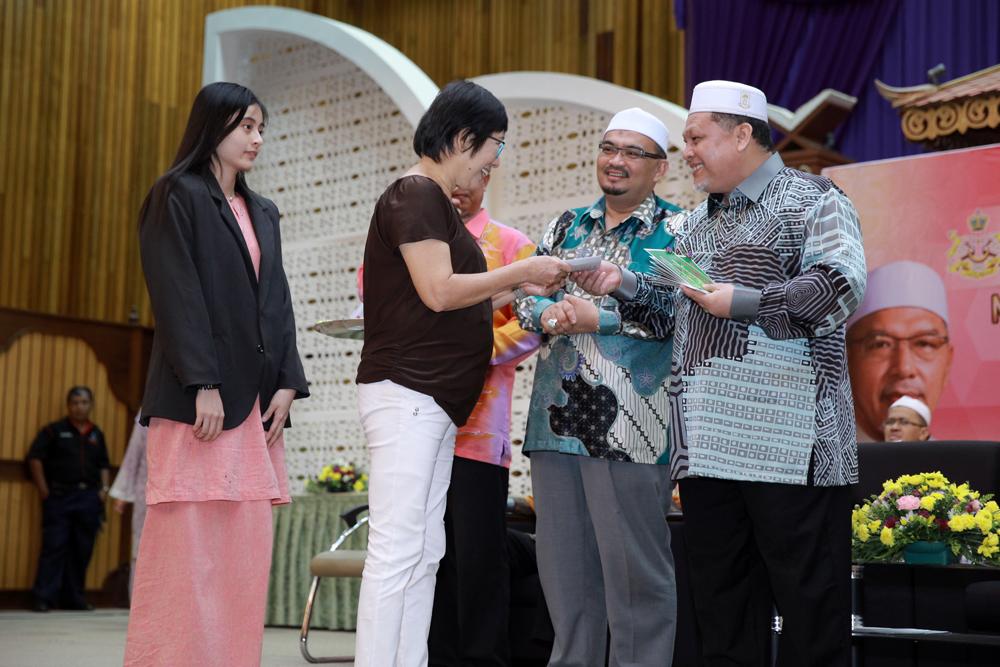 Pelajar bukan Melayu yang cemerlang SPM turut menerima insentif RM500 daripada kerajaan negeri