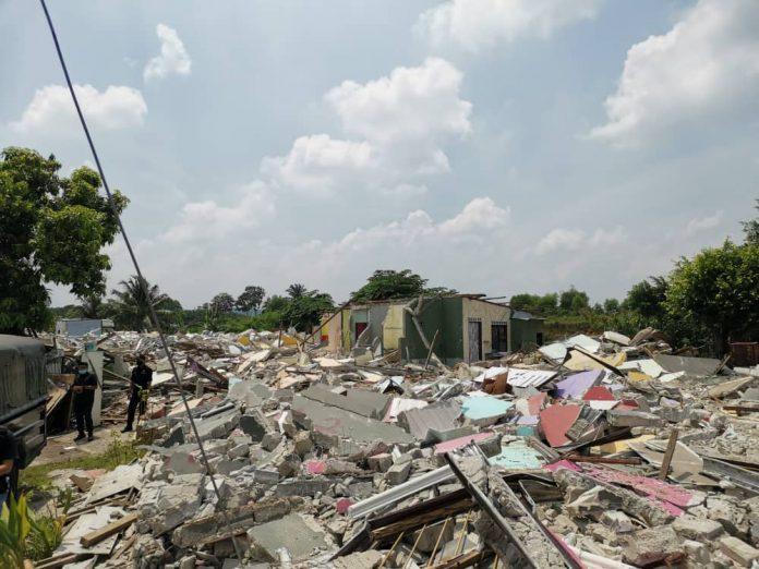 19 buah rumah Desa Subang Perantau dirobohkan