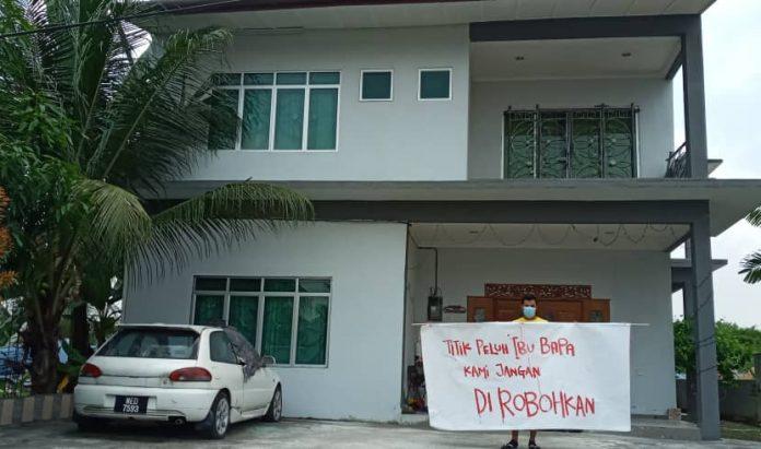 19 buah kediaman Desa Subang Perantau dirobohkan