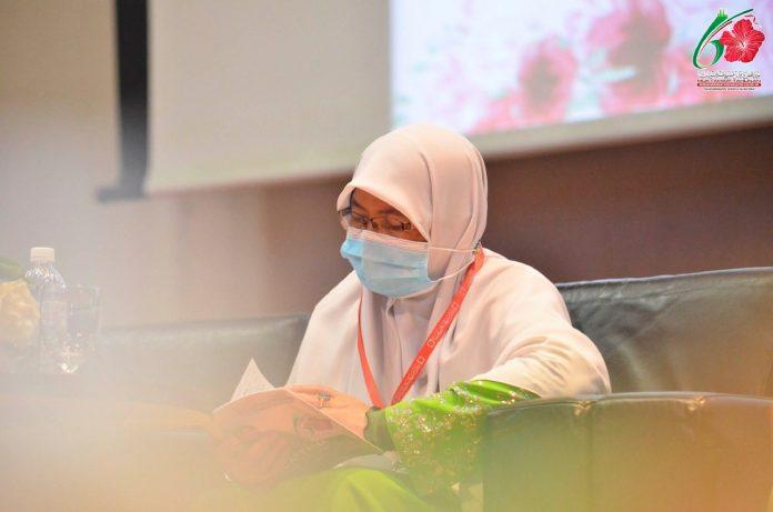 Ketua Dewan Muslimat PAS Malaysia, Senator Nuridah Mohd Salleh